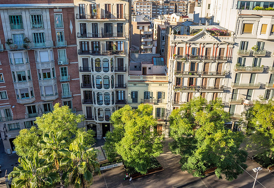 What area to stay in Barcelona: Eixample
